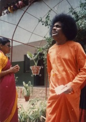 Swami visiting Women's College